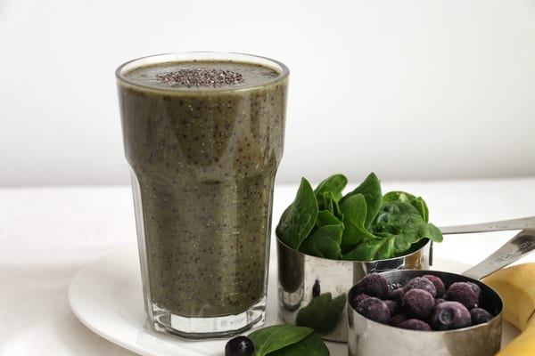 Blueberry and Spinach Green Smoothie