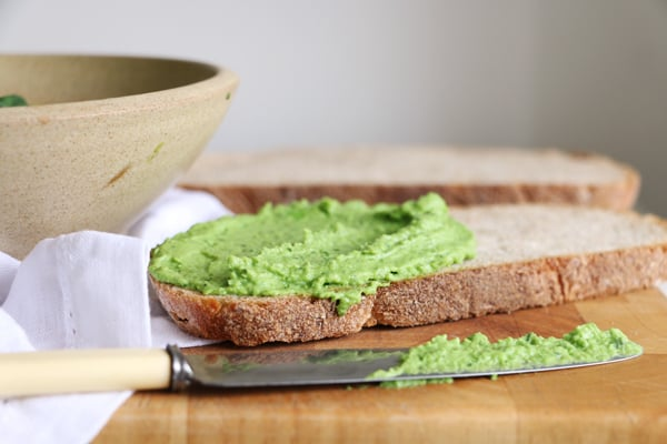 Green Pea and Basil Dip