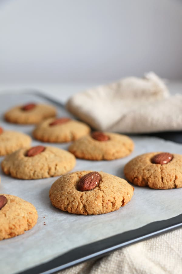 Chickpea and Almond Cookies (gluten-free & vegan)
