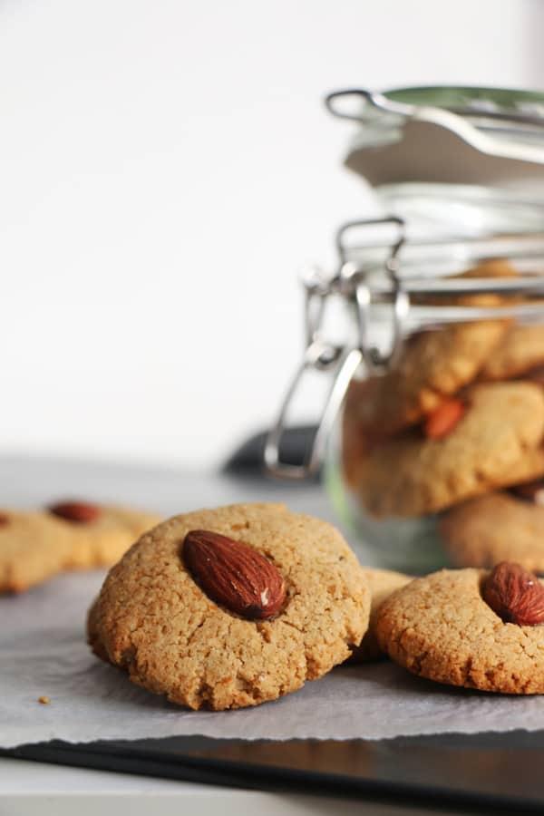 Chickpea and Almond Cookies (gluten-free & vegan)
