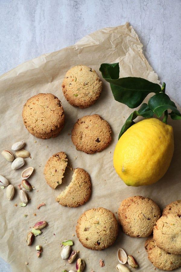 Millet, Almond and Pistachio Cookies (gluten-free & vegan)