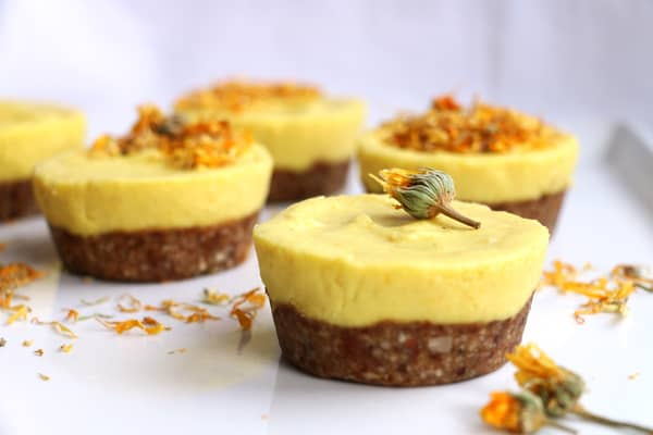 Mango and Turmeric Raw Cupcakes