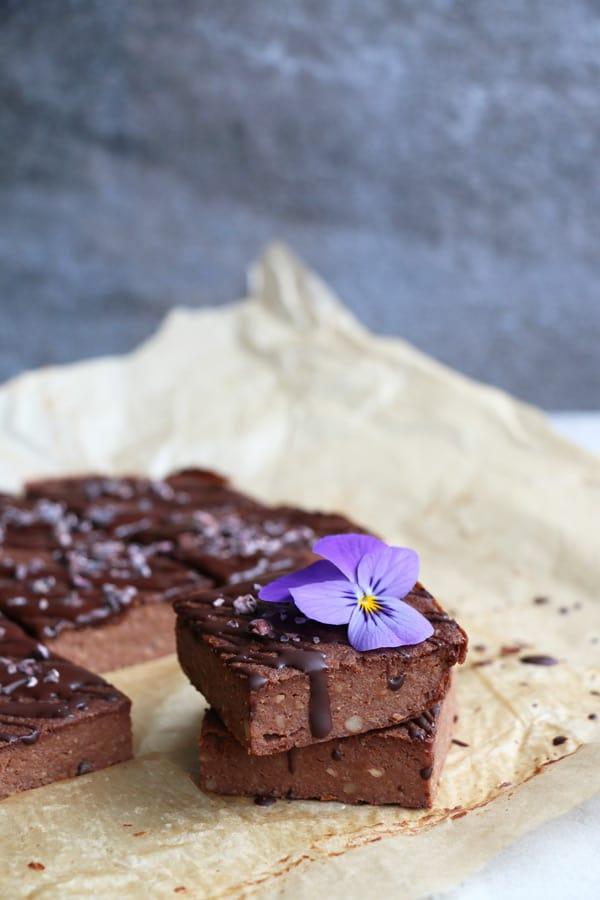 Chocolate Cauliflower Bars (gluten-free & vegan)