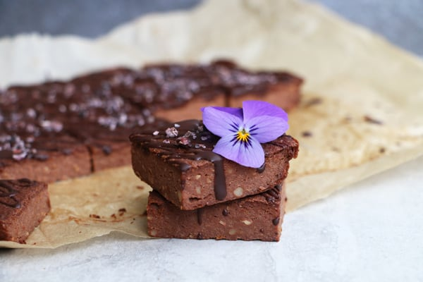 Chocolate Cauliflower Bars (gluten-free & vegan)