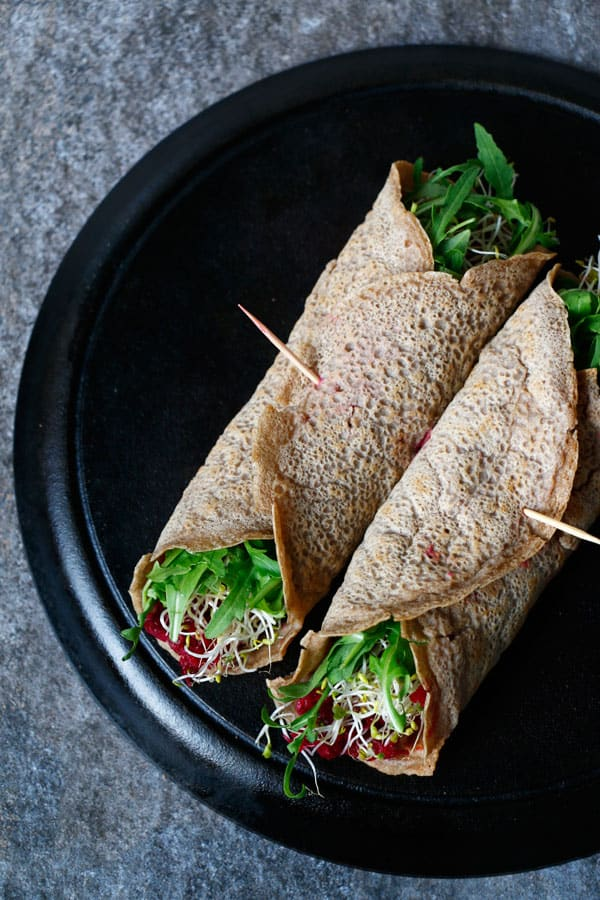 Buckwheat Teff Wraps with Beetroot Dip (gluten-free & vegan)