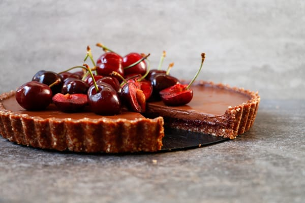 Cherry Chocolate Tart (grain-free & vegan)