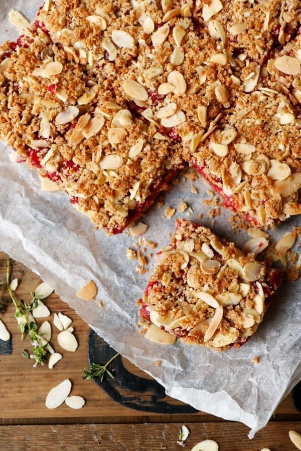 Redcurrant Quinoa Crumble Bars (gluten-free & vegan)