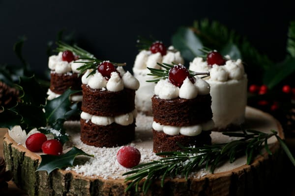 Gingerbread Christmas Mini Cakes (grain-free & vegan)