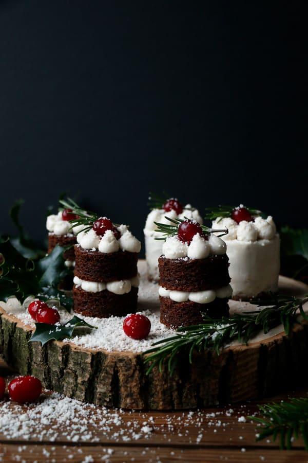 Gingerbread Christmas Mini Cakes (grain-free & vegan)