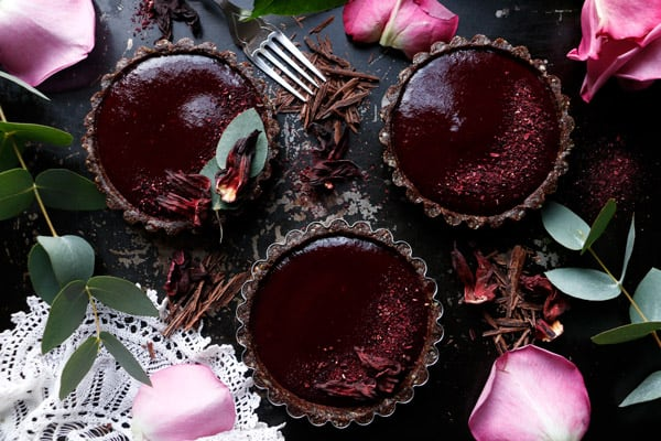 Raspberry Hibiscus Chocolate Tarts (grain-free & vegan)