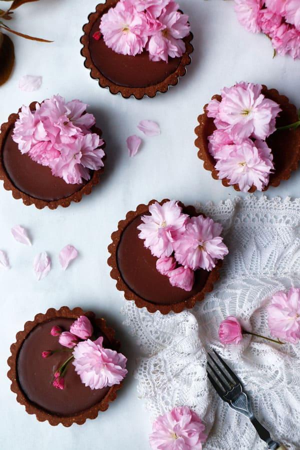 Reishi Chocolate Tarts (vegan & gluten-free)
