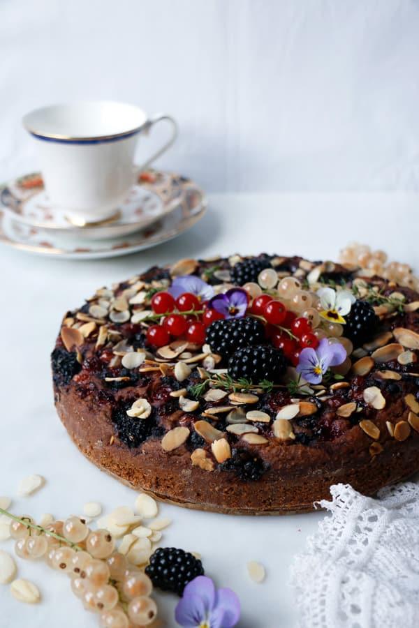 Summer Berry Cake (vegan & gluten-free)