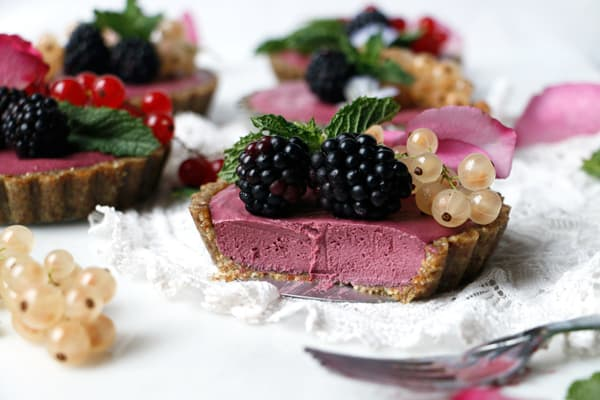Raw Vegan Blackberry Tarts (grain-free)