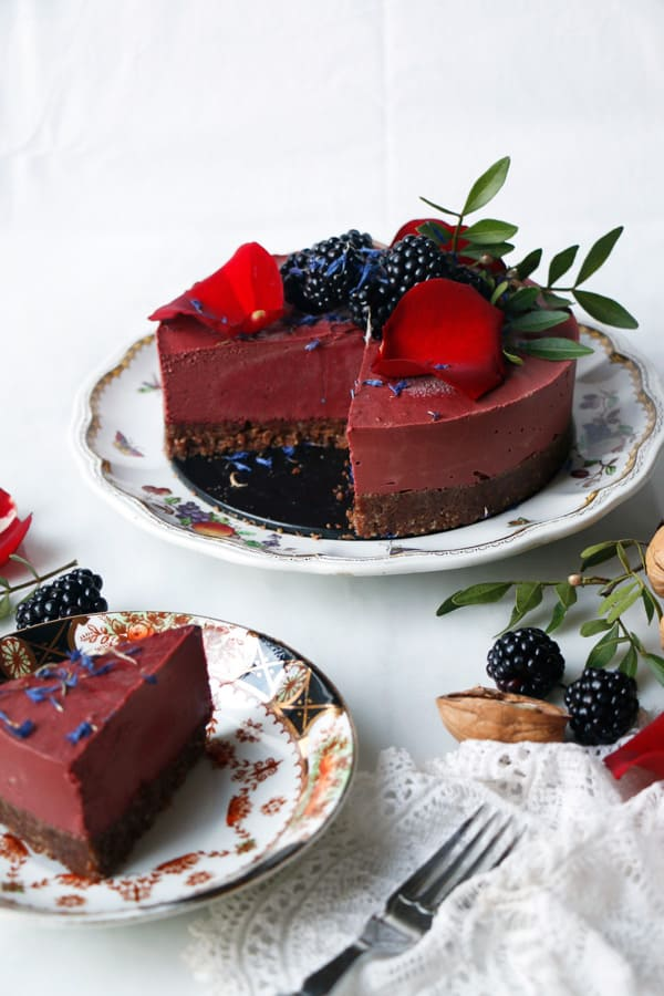 Chocolate Beet Cheesecake (vegan & grain-free)
