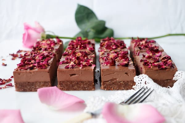Rose Cardamom Chocolate Cheesecake (vegan & grain-free)
