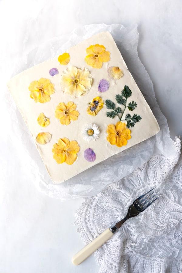 Blueberry Lemon Cheesecake (raw, vegan & grain-free)