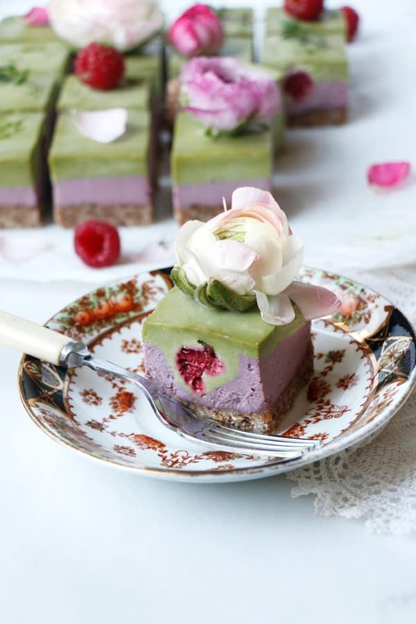 Raspberry Matcha Cheesecake (vegan & grain-free)