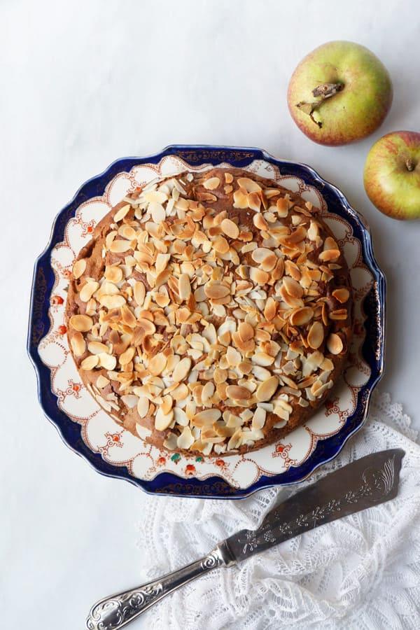 Spiced Apple Cake (vegan & gluten-free)