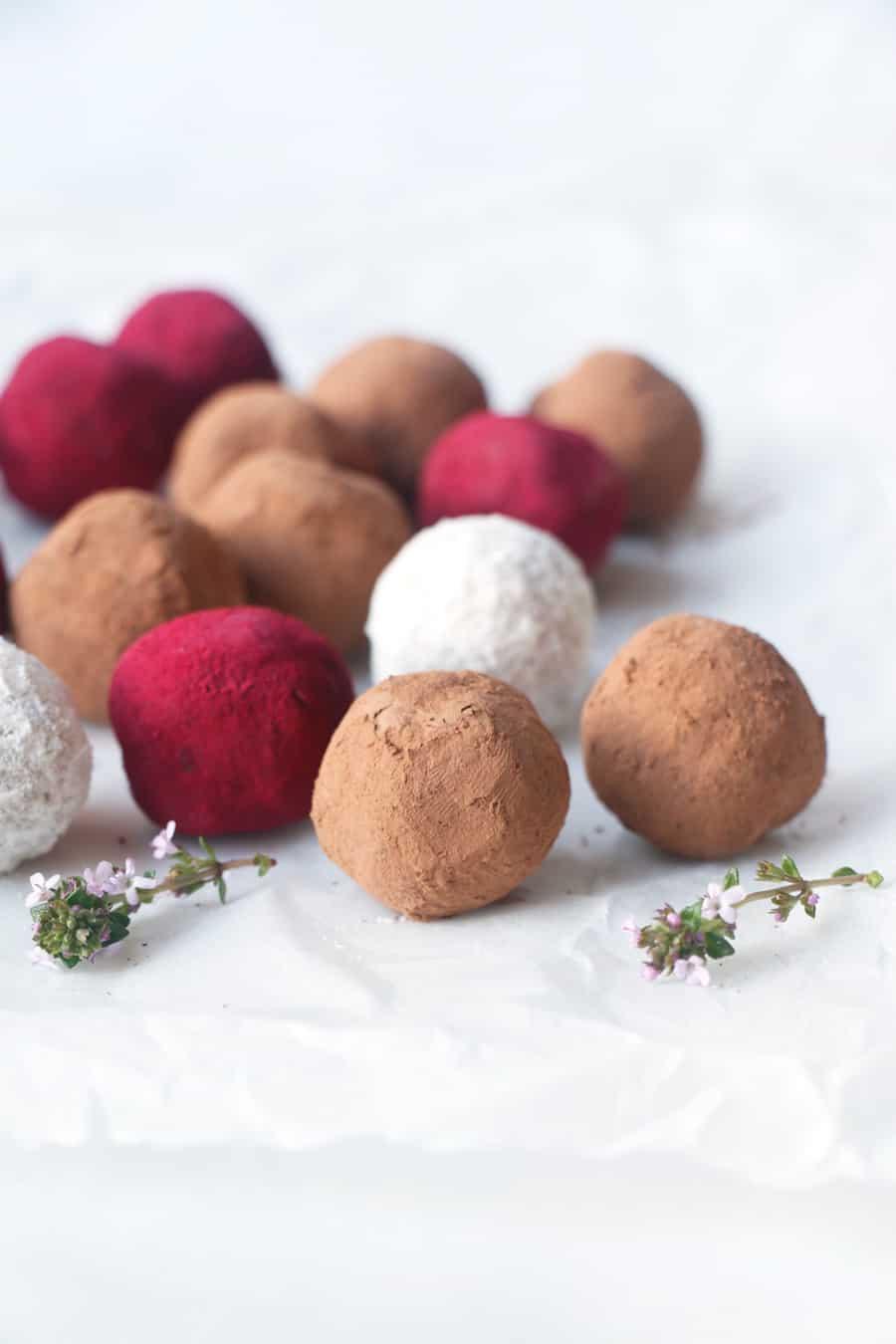 Coconut Flour Bliss Balls (vegan & grain-free)