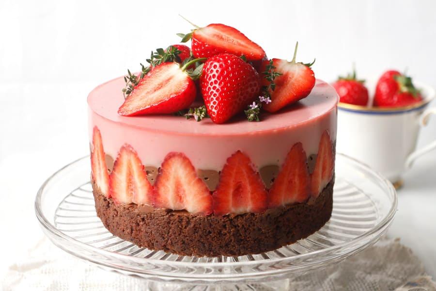 Strawberry Chocolate Torte (vegan & gluten-free)
